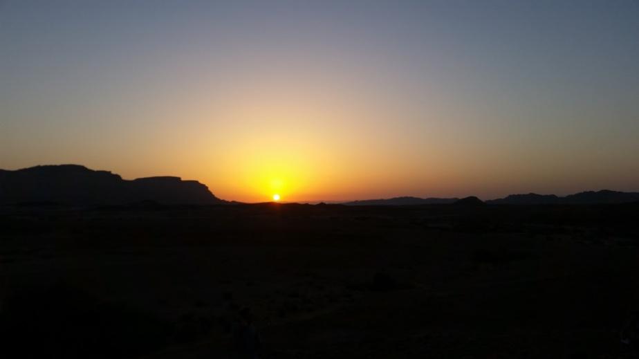 foto-alba-nel-deserto[2]