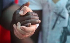 vita mano nella mano