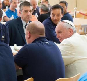 papa francesco chiesa povera