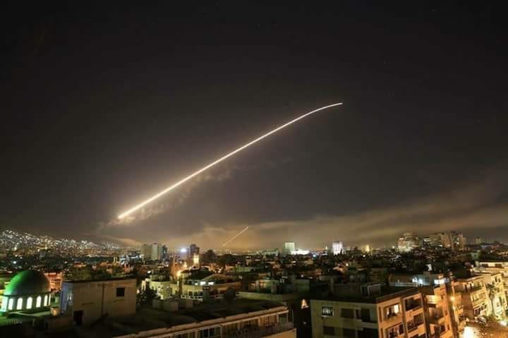 Missili sulla Siria